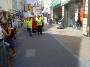 Der Demonstrationszug in der Bäckerstrasse